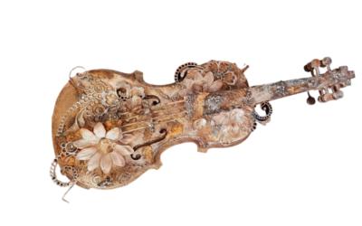 2019 Mar – Music Magic Altered Violin by Renee Warwick